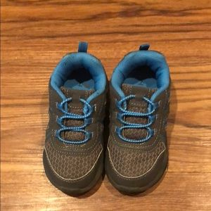 Carter Toddler shoes size 7!